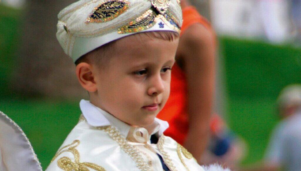 Ein-prachtvolle-Fest-fuer-den-Prinzen